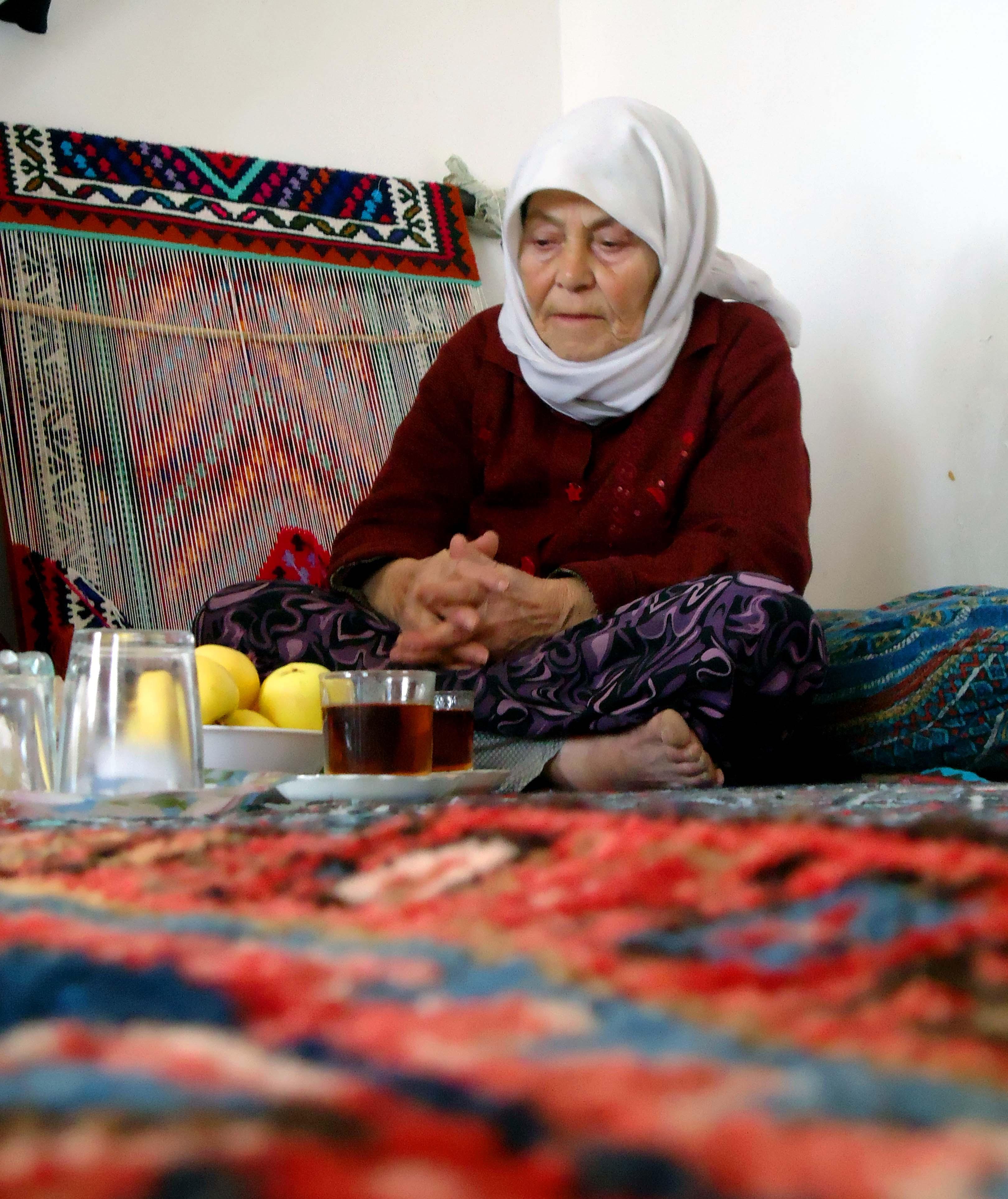 درد دل مادر داغدیده ای که فرزندش اسیر فرقه ی رجوی است :